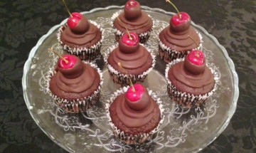 Black Forest Chocolat and cherry Cupcakes By Bakerarama