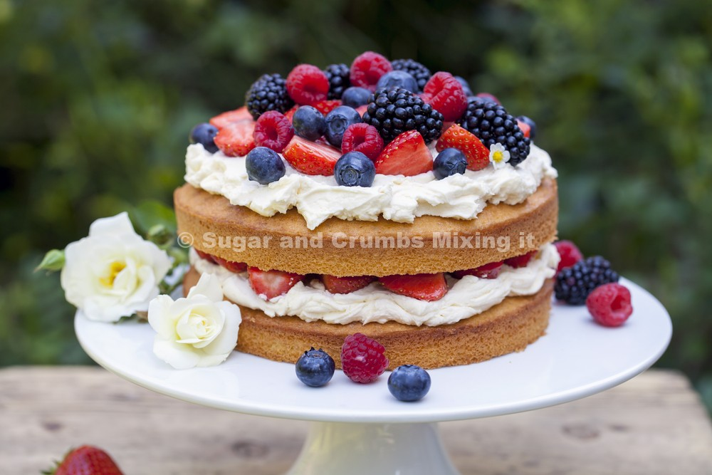 Sponge Cake Decoration Images : Victoria Sponge Cake with Velvet Vanilla Buttercream ...